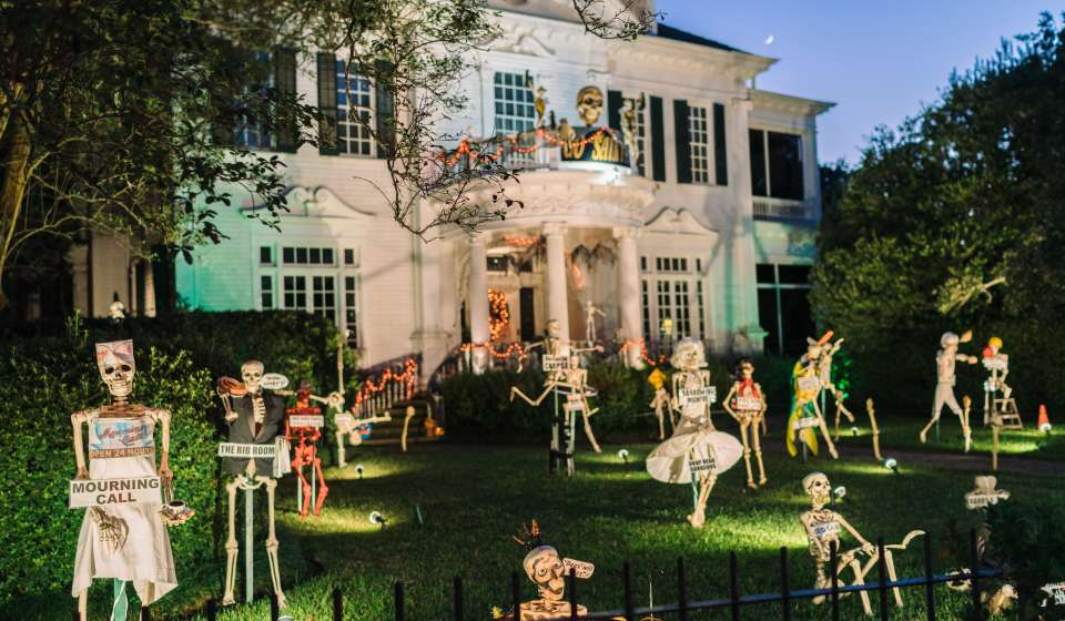 featured image for halloween in new orleans post